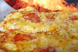 ¿Debe llevar piña la pizza?