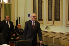 Lluís Segura recupera la confianza del Govern