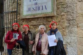 Memòria de Mallorca denuncia las desapariciones forzadas por las víctimas de la fosa de Porreres