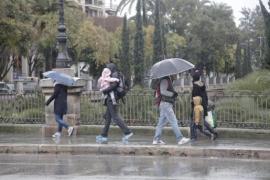 La lluvia de barro continúa este viernes en Balears