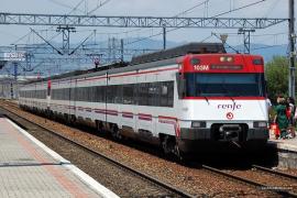 Un maquinista logra frenar el tren que conducía antes de morir de un infarto