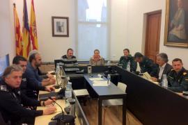 La Delegación del Gobierno propone crear una oficina de atención a extranjeros en Portocolom