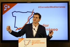 Albert Rivera advierte al presidente de Murcia que debe cumplir su palabra e irse