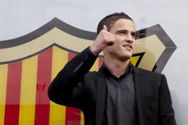 Afellay firma por el Barça por lo que queda de temporada y cuatro más