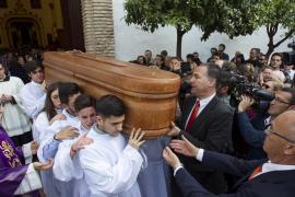 Multitudinario adiós en Marbella a Pablo Raéz, ejemplo de la lucha contra la leucemia