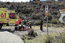 Herido grave un ciclista al sufrir una caída en la carretera de sa Calobra