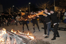 Mallorca celebra el tradicional Entierro de la Sardina
