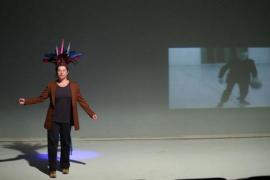 Mariantònia Oliver lleva la danza de 'Encaixar' a Sa Màniga