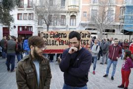 Un centenar de personas muestra su apoyo a Valtonyc