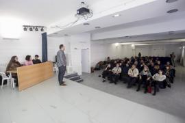Reunión informativa para anunciar la peatonalización del casco antiguo de Sant Antoni