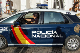 Denuncia de trato vejatorio contra agentes policiales por hablarles valenciano en Benidorm