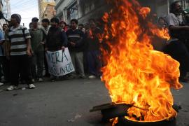 Evo Morales cede a las protestas y anula aumento del precio de los combustibles