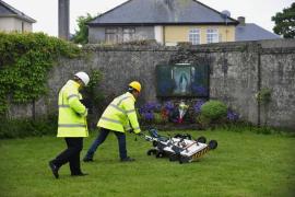Hallan numerosos restos de niños en una fosa de un convento irlandés