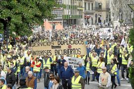 El PP pide que se anule por «ilegal» el plan de buses turísticos en el aeropuerto
