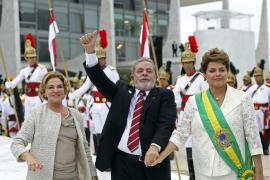 Lula entrega la banda presidencial a Rousseff y cierra ocho años de Gobierno