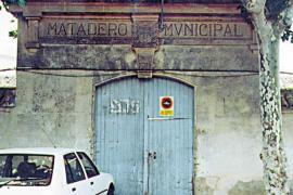 Perdido el arco del viejo matadero almacenado para  su conservación en 1997