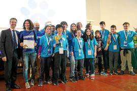 Alumnos del IES Antoni Maura precisan 6.000 euros para presentarse a la final First Lego League en Logroño