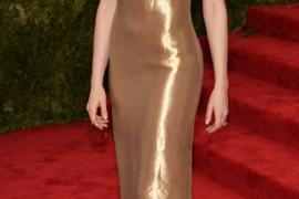 La actriz Anne Hathaway pone su rostro a la batalla de la ONU Mujeres por el permiso posnatal