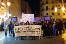 Más de 3.000 personas participan en Palma en la marcha del Día de la Mujer