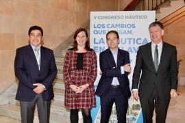 Armengol apoya al sector náutico y destaca su gran potencial en Baleares