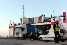 Maria Salom asegura que el abastecimiento de mercancías está garantizado pese al conflicto de la estiba