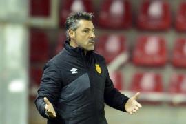 Javier Olaizola: «Si viene alguien con una varita mágica que garantice la salvación del equipo, yo lo firmo»