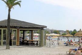 Alcúdia pide la gestión de sus balnearios de playa durante 25 años para modernizarlos