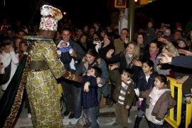 Los Reyes Magos llenan de ilusión las calles de Palma