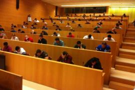 Un total de 87 aspirantes realizan la prueba para obtener el carné de controlador de accesos