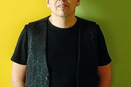 Pedro Guerra hará una parada en Palma con su gira 'Arde y vuela'