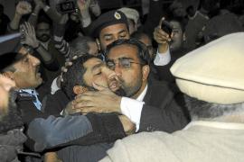 500 ulemas amenazan a los seguidores del gobernador paquistaní asesinado