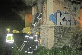 Investigan si el incendio en un antiguo molino en Santa Catalina fue intencionado