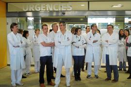 Los médicos dan un voto de confianza al director de Son Espases y paran las protestas