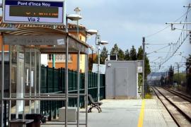 El Govern asegura que reduce las frecuencias de tren por falta de plantilla