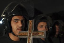 Los cristianos egipcios celebran la Navidad copta bajo protección policial