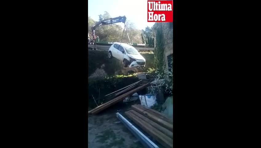 Dos jóvenes, heridos tras caer su coche por un desnivel en Valldemossa