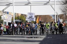 'Bicicletada' contra la reforma laboral y la jubilación a los 67 años