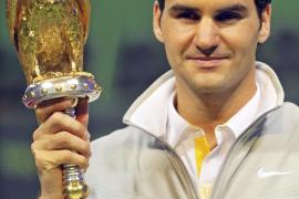 Federer gana su tercer título en Doha  al vigente campeón, Nikolay Davydenko