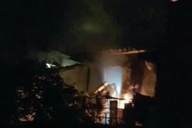 Un piso queda totalmente calcinado después de un incendio en Sóller