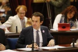 Pons solicita a Fomento que mantenga la suspensión del nuevo sistema de descuento de residente para viajes en grupo
