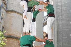 Los 'castellers', en lo más alto de Manacor