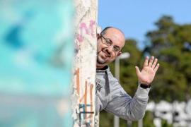 S. Carrasco: «Durante los meses de verano utilizar el transporte público en Ibiza es casi como practicar un deporte de riesgo»