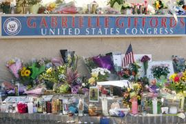 El tiroteo de Arizona aviva el debate sobre el deterioro político en Estados Unidos