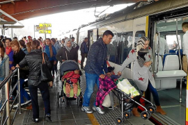 Los trabajadores del tren mantienen los paros al no alcanzar un acuerdo