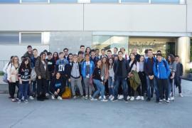 Alumnes de 3er d' ESO de l'IES Son Ferrer visitaren Grup Serra i AgroMallorca