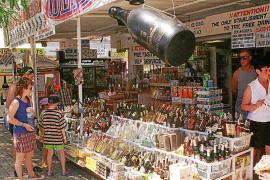 Calvià no permitirá la exposición de bebidas alcohólicas en los escaparates