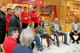 Los peñistas suspenden la gestión de Molango y exigen más a la plantilla