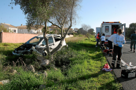 Un conductor suicida embiste por detrás a otro coche en la carretera de Cap Blanc