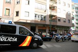 Dos encapuchados asaltan a punta de pistola un domicilio de Palma y se llevan 8.000 euros