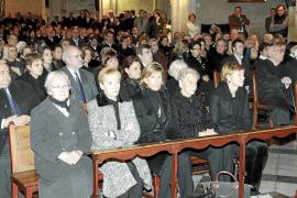 Políticos y abogados dan el último adiós a Rafael de Lacy en su funeral